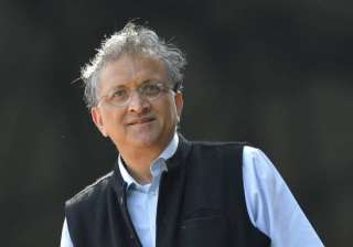 Historian Ramachandra Guha steps down from CoA...