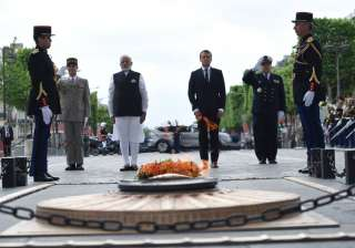 PM Modi pays homage at Paris war memorial - India...