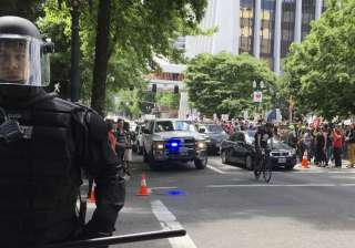Protesters after stabbing incident in portland - India TV