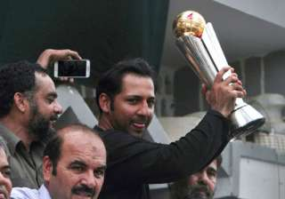 Sarfraz Ahmed shows the ICC Champions Trophy 2017...