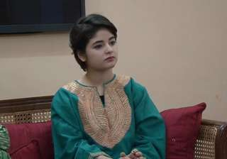 Dangal girl Zaira Wasim escapes unhurt after car...