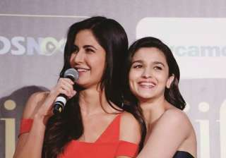 Alia Bhatt and Katrina Kaif IIFA Awards 2017 -...