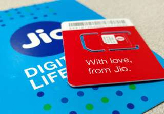 Reliance Jio unveils new packs, reduces validity...
