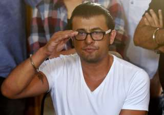 Sonu Nigam has given Rs 5 lakh to driver Salim...