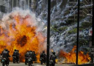 10 killed as protests against Venezuela assembly...