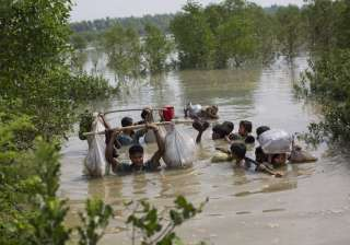 5 drown after boat carrying 35 Rohingya Muslims...