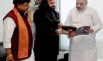 Hans with Amit Shah