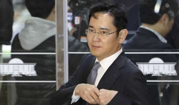 Lee Jae-Yong returned home afterinterrogation by...