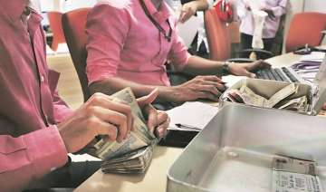 Post note ban deposits cross Rs 10 lakh crore...