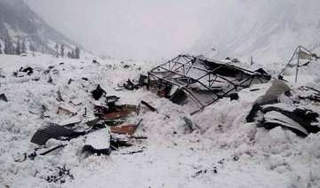 14 die as avalanche hits Pakistan - India TV
