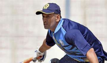Narrow escape for MS Dhoni as he survives hotel...