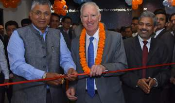 HP launches its first 'Centre of Excellence' -...