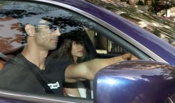 Sushant takes his rumoured lover Kriti out on a...