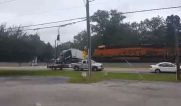 train crash trailer truck
