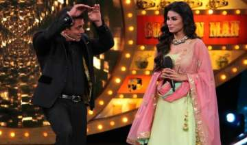 Bigg Boss 11 new promo:Salman Khan welcomes Mouni...