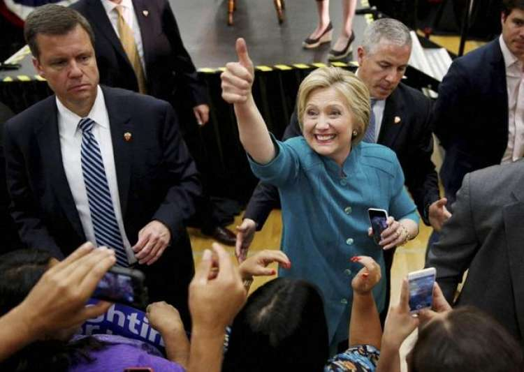 Hillary Clinton moves closer to nomination, sweeps in ...