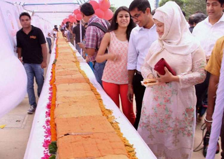 World's longest Vada Pav- India Tv
