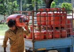 govt needs to reduce subsidised cylinders to 10 units per