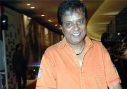 bollywood actor sadashiv amrapurkar assaulted on holi by
