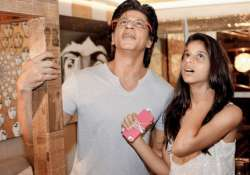 shah rukh khan sends a moving message to his daughter