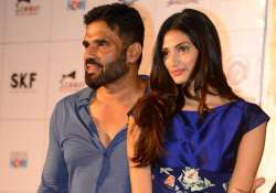 athiya shetty feels acting with her dad will be weird