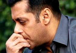 omg salman khan cried his heart out on the sets of prem