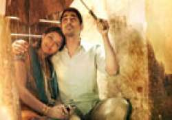jigarthanda movie review a story of a conman