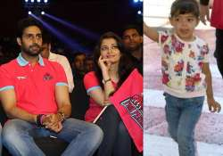 aaradhya bachchan joins the entire family to cheer for pink