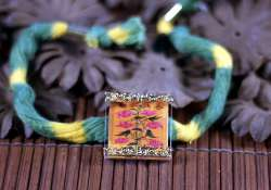 choose floral rakhis for brothers