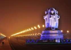 a city of poets lucknow and its shayars