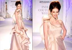 india couture week kalki koechlin sets the ramp ablaze see
