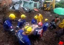 at least 66 dead in central america after days of downpours