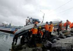 boat sinks off eastern indonesia 14 missing
