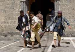 46 killed 100 injured in suicide attacks on 2 yemen mosques