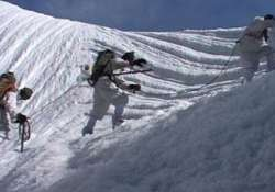 indian defence secretary in pakistan for talks on siachen