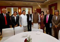 nepal lawmakers meet indian mps for constitution drafting