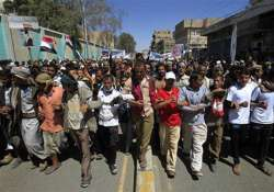 yemeni government forces kill 12 in new protests in sanaa