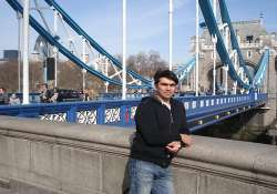 aap supporter in uk donates rs. 2014 daily