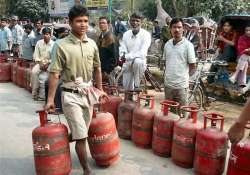 cap on subsidized lpg cylinders raised from 6 to 9 oil cos