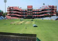 complaint against ddca for serving liquor on dry day