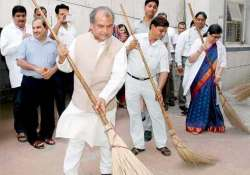 dengue outbreak time to take swachh bharat abhiyan seriously