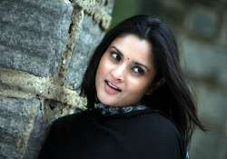 kannada heroine ramya to join congress