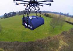 mumbai eatery delivers pizza using a drone
