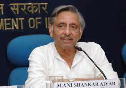 sensing scam aiyar wanted sports ministry out of cwg oc