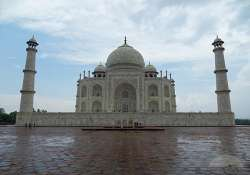 taj sparkles after rain