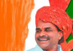 congress stakes claim to ysr s political legacy