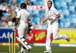 broad hits back after pakistan s solid start