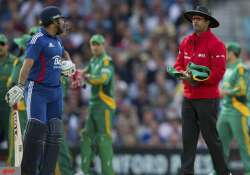 dharmasena named icc umpire of the year