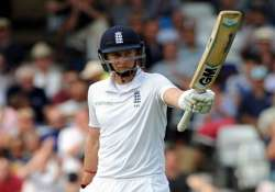 ind vs eng root fights on as seamers restrict england to