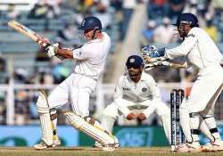 eng struggling at 41/3 against ind in 1st test